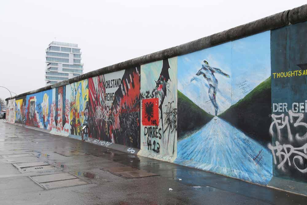 ベルリンの壁イーストサイドギャラリーの行き方!西側を見てきた! | 嫁と旅行ブログ